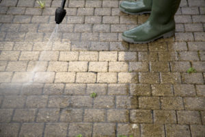 Read more about the article Exterior Spring Cleaning Tips