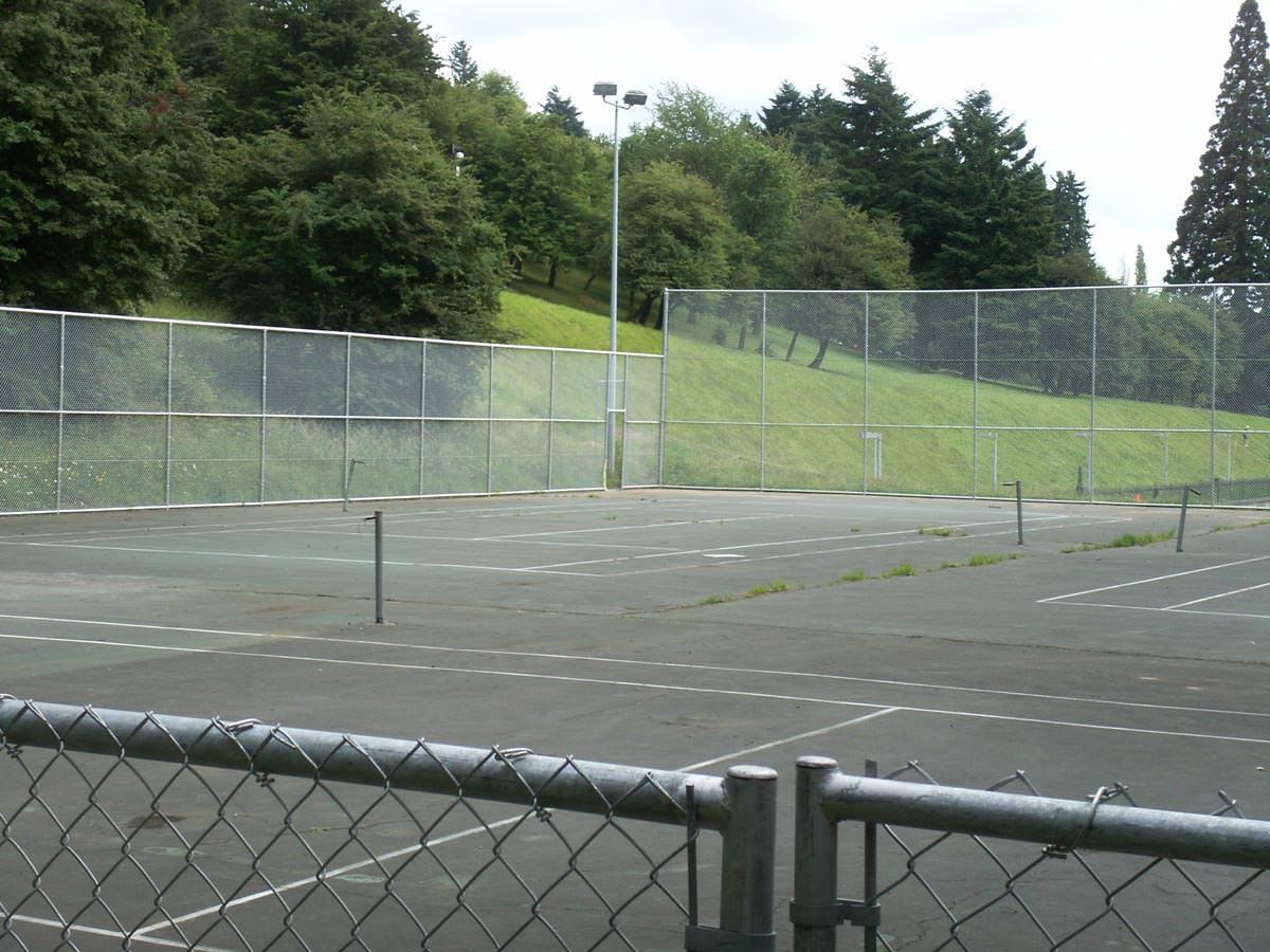 Sports Fencing, Baseball Field Fences, Tennis Court Fences