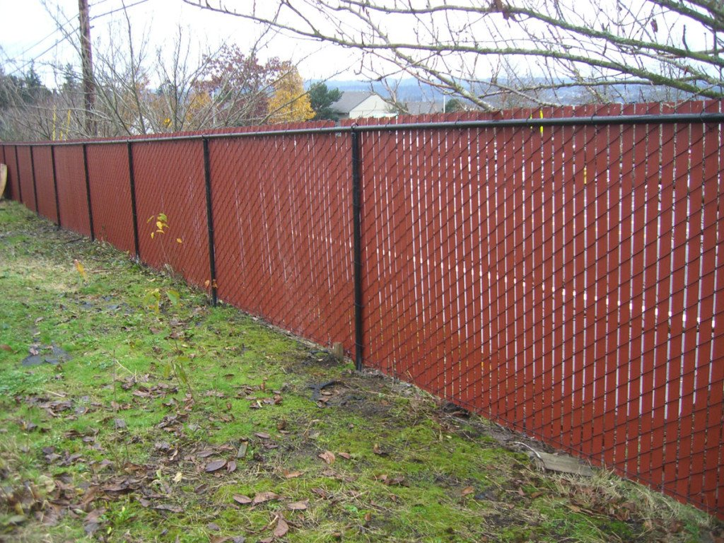Chain link privacy fence gallery pacific fence and wire for Fences privacy