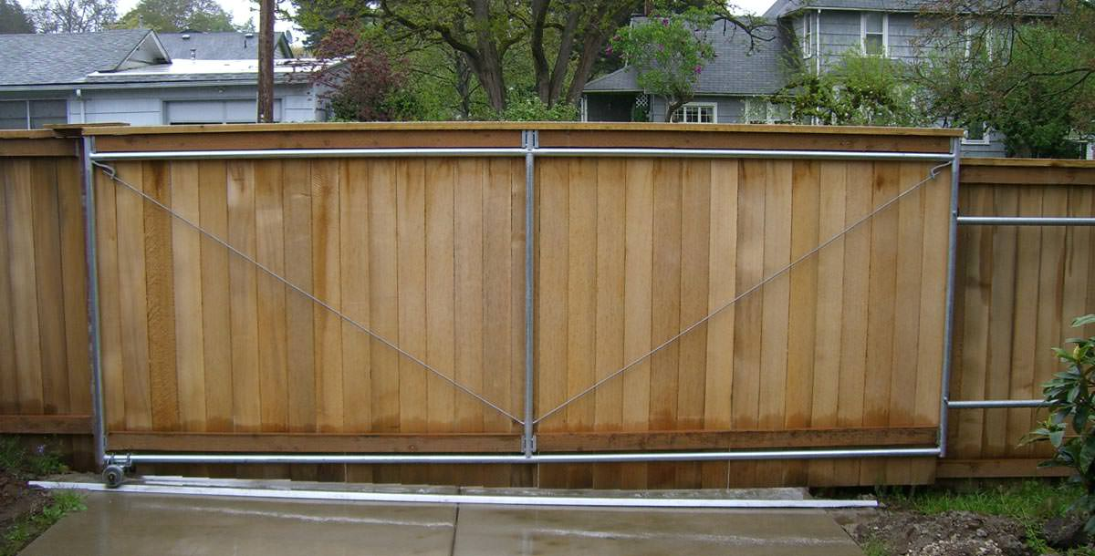 Cantilever Gates Vs Sliding Gates Pacific Fence Amp Wire Co