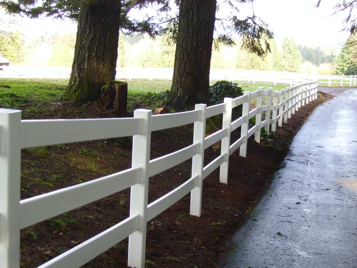 What Is Vinyl Fencing Made Of?   Pacific Fence & Wire Co.