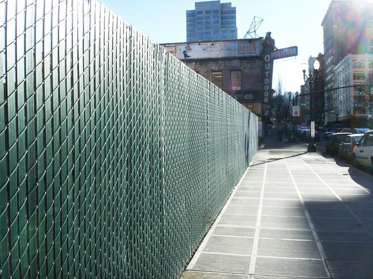 Chain link privacy fence gallery pacific and wire