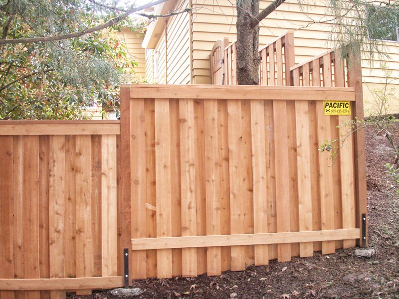 Pacific fence and wire co wood fence installation for Good neighbor fence plans