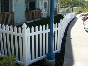 Vinyl picket fence surrounding a home in Portland OR