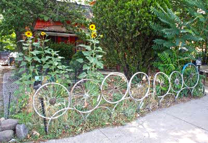 bike-whels-garden-fence